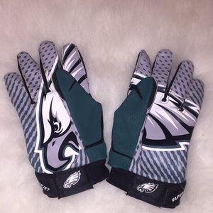 Boys Nike Philadelphia Eagles football gloves